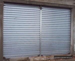 portas de aço manual